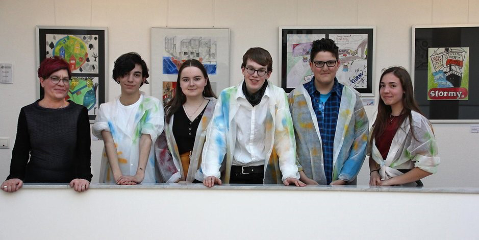Schülerinnen und Schüler des Heinrich-Böll-Gymnasiums und der Europaschule